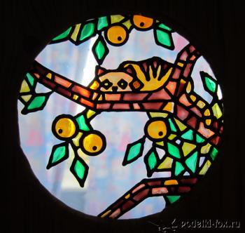 Роспись витражными красками. Окна в кукольном доме