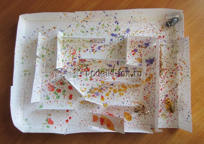 Лабиринт из бумаги для желудей