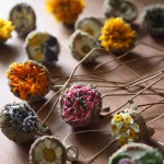 подвески из желудей и цветов
