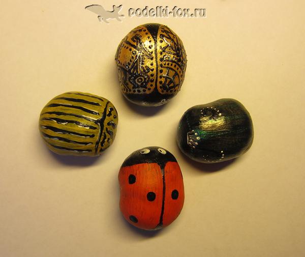 Поделки из каштанов - жуки